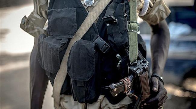 Sudan'da ordu, devlet televizyonu binasını kuşattı!