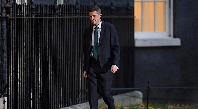 İngiltere Savunma Bakanı Williamson görevden alınd