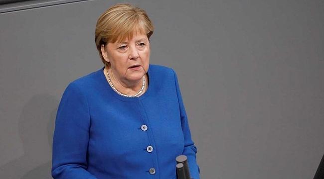 Merkel'den harekât çıkışı: Türkiye'ye operasyonu bitirin dedim