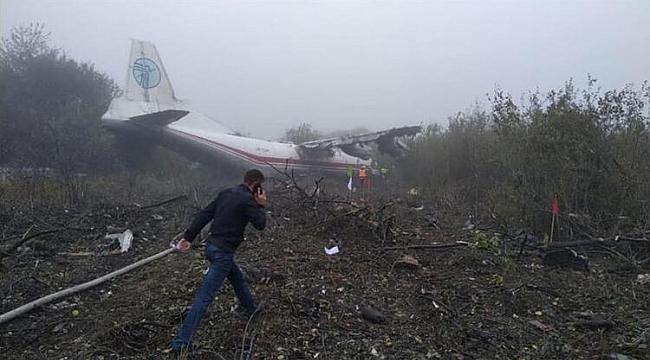 Ukrayna'da uçak kazası: 3 ölü, 3 yaralı