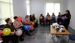 Karabağlar'daki kurslar meslek ve hobi kazandırıyor