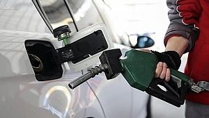 Benzin ve motorine bu geceden itibaren geçerli zam!