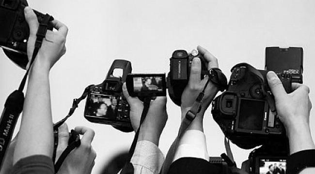 Gazeteciler basın özgürlüğü için bir araya geldi